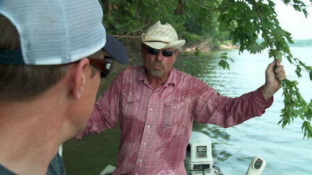 Watch Living off the Water: Kentucky Fish. Episode 15 of Season 6.